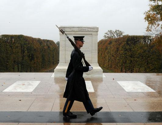 Ap_tomb_unknown_soldier_rain_ss_thg_121029_ssh